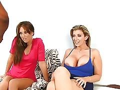 Oral sex tube - single mom porn