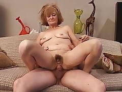 Saggy video porno - giovani porno mature