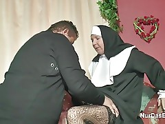 Nun sex clips - karısı seks videos